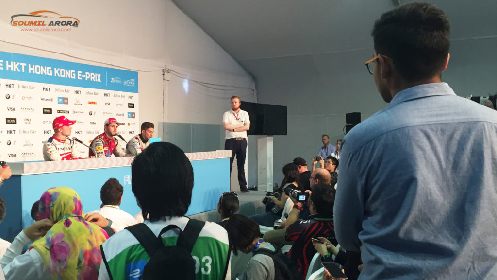 Asking Questions at the Official Press Conference