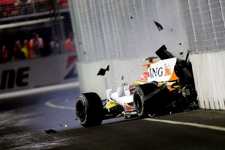 Piquet Alonso Renault Singapore Team Orders